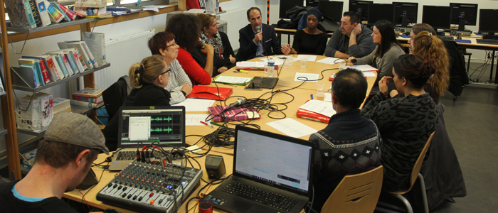 Enregistrement d'une émission de radio dans le cadre de la lutte contre les violences sexistes