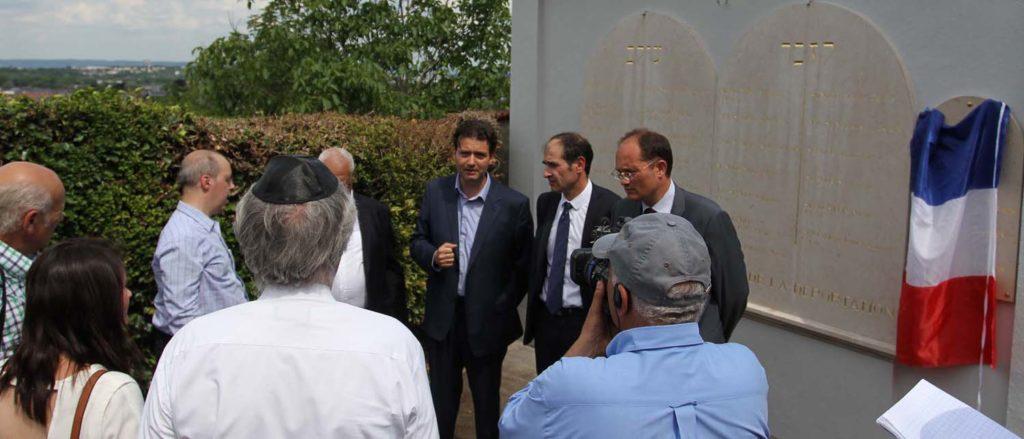 Inauguration stèle en hommage aux déportés juifs